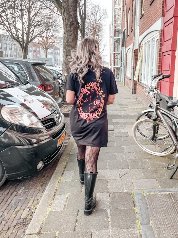Mind T-shirt dress black